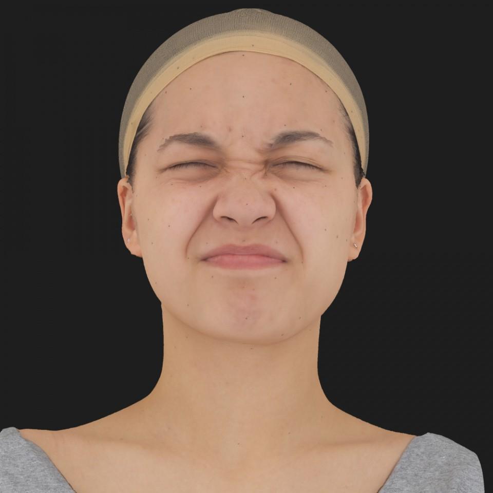 Naomi Takai 06 Face Compression